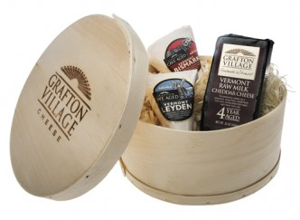 Choose from a selection of Vermont cheese and specialty gift assortments!